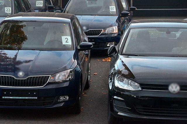 Uber operará en Colombia con vehículos de color negro con franja lateral