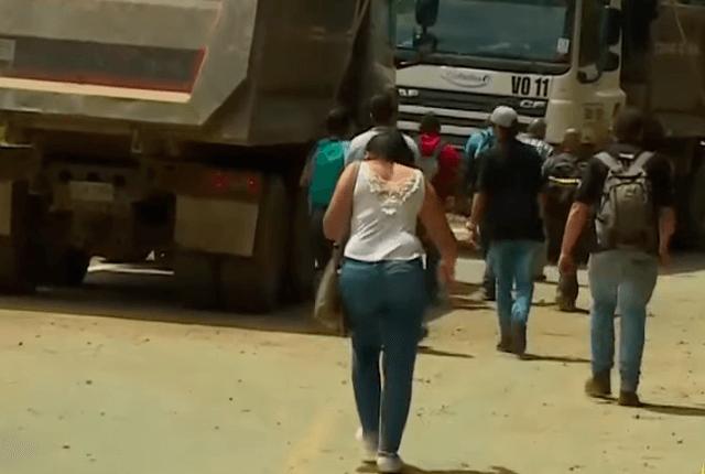 Piden soluciones ante derrumbes que tienen incomunicado a Titiribí, Antioquia - Noticias Caracol