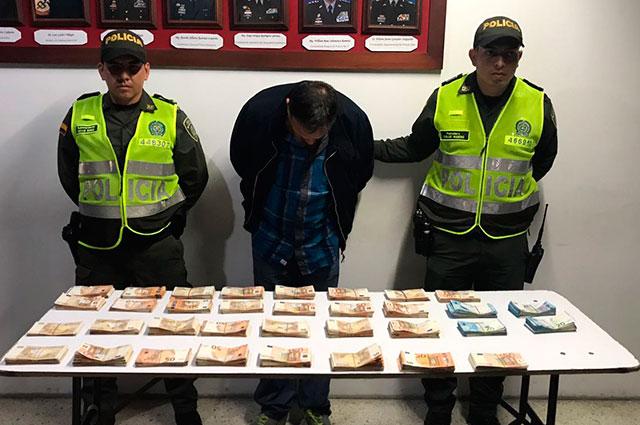 Pasajero fue sorprendido en aeropuerto de Palmira con más de 150 mil euros en su equipaje de mano