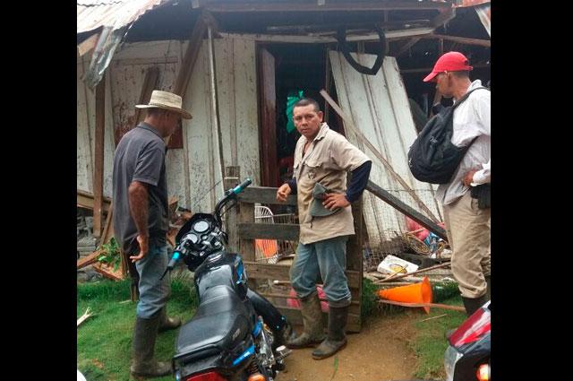 ¡Impresionante! carga de un helicóptero cayó sobre viviendas de Tarazá