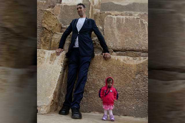 El más alto y la más pequeña se reúnen en Egipto