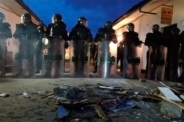 Admiten tutela que ordena a los indígenas desbloquear vías del Cauca